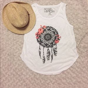 Tops - 💕Cute graphic no sleeve shirth size S